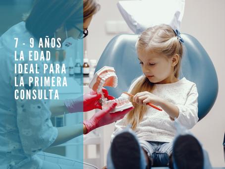 La primera consulta con el Ortodoncista (brackets) es entre los 7 a 9 años