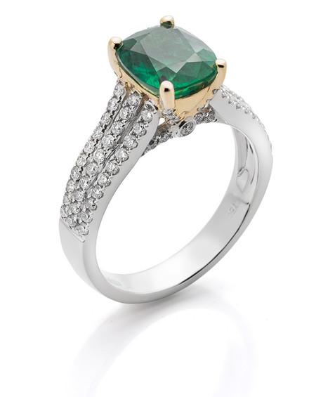 anel esmeralda