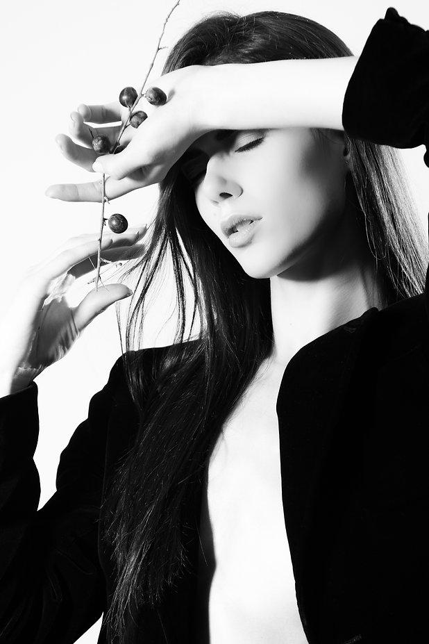 Dieses Foto ist während der Ausbildung zum Make-up Artist / Visagist in der bloos Make-up & Hair Academy entstanden.