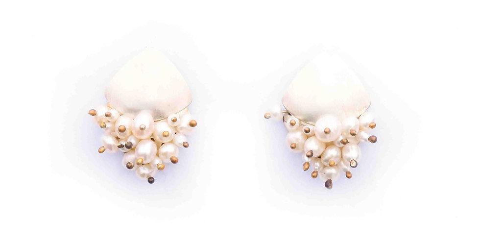 Pearl Ora Earrings