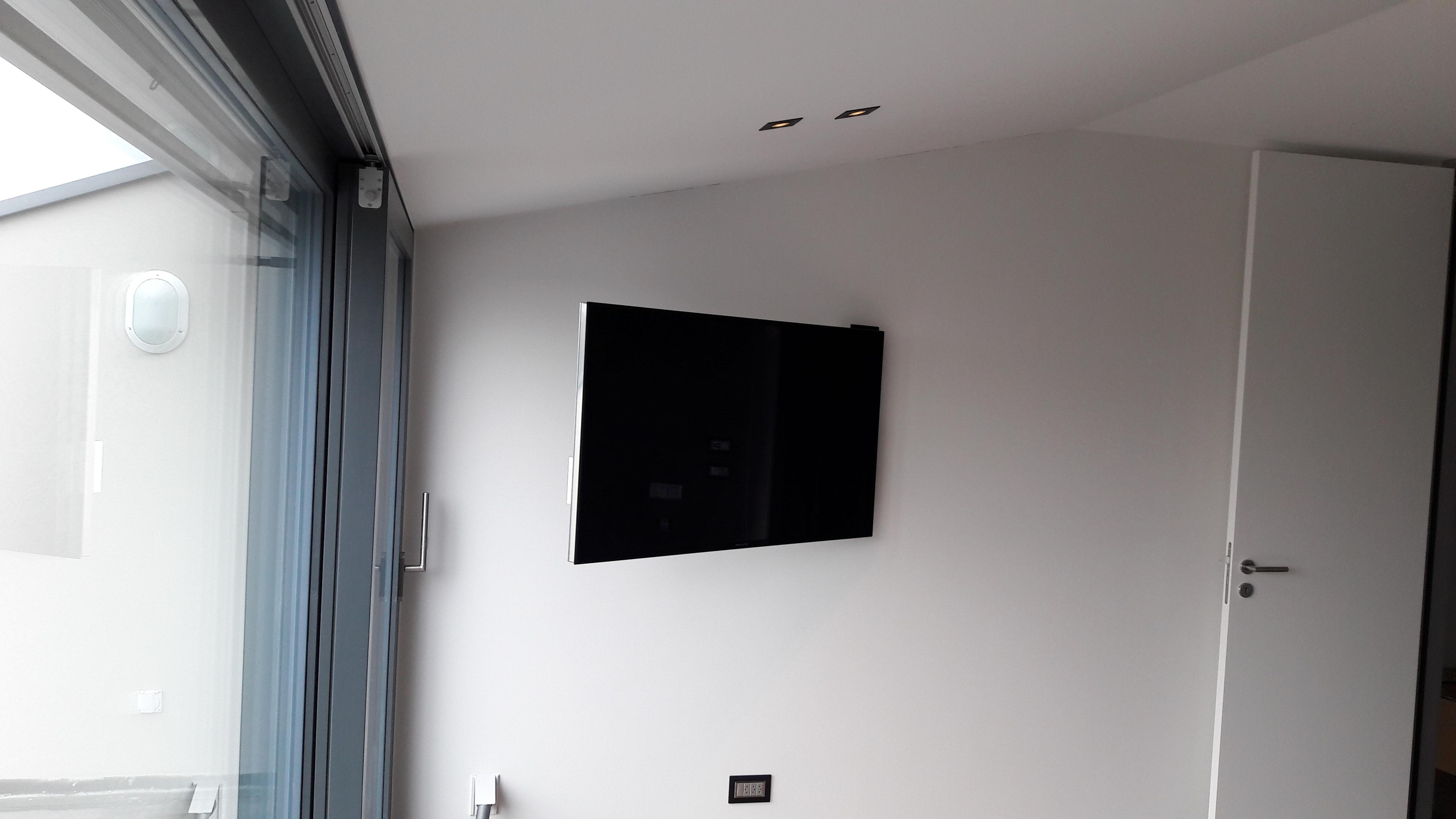 TV 55'' B&O au mur