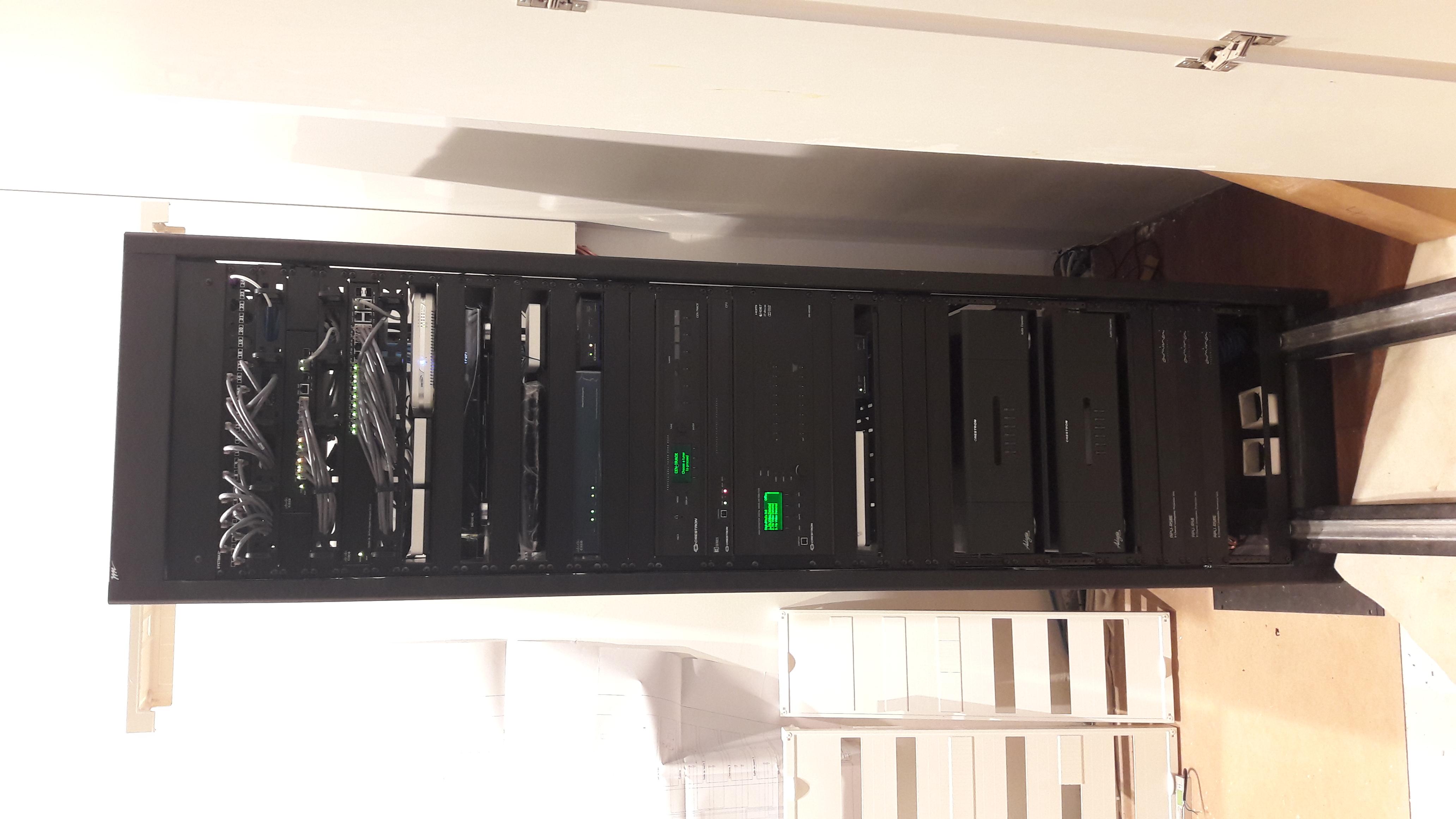 """Montage rack 19"""""""