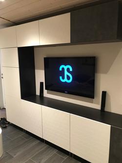 """TV 46"""" entre-meuble"""