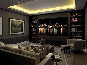Installation salle cinéma projecteur salon