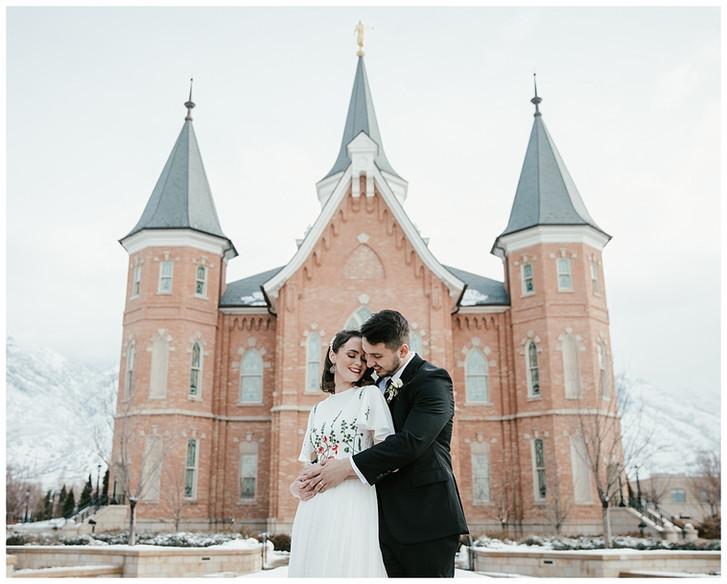 Winter Wedding: Utah Provo City Center Temple Photographer