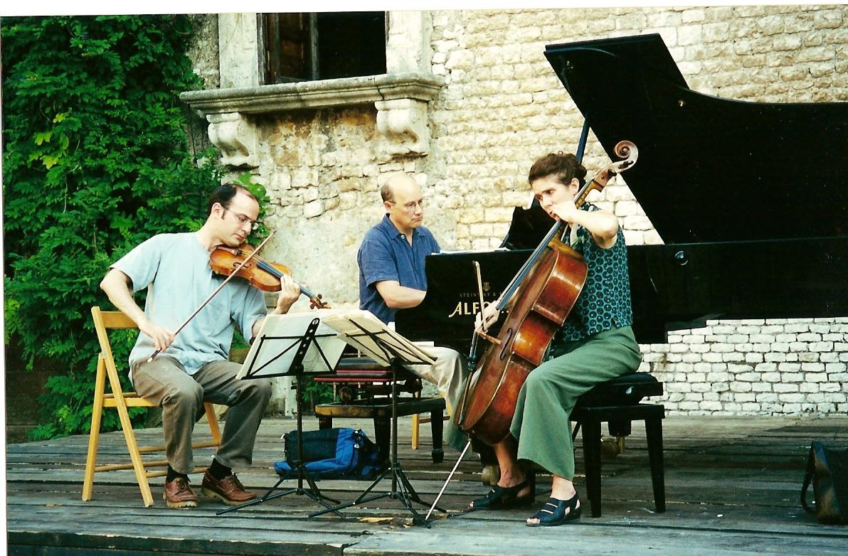 rehearsing at Sermonetta, Italy, Aug 2000