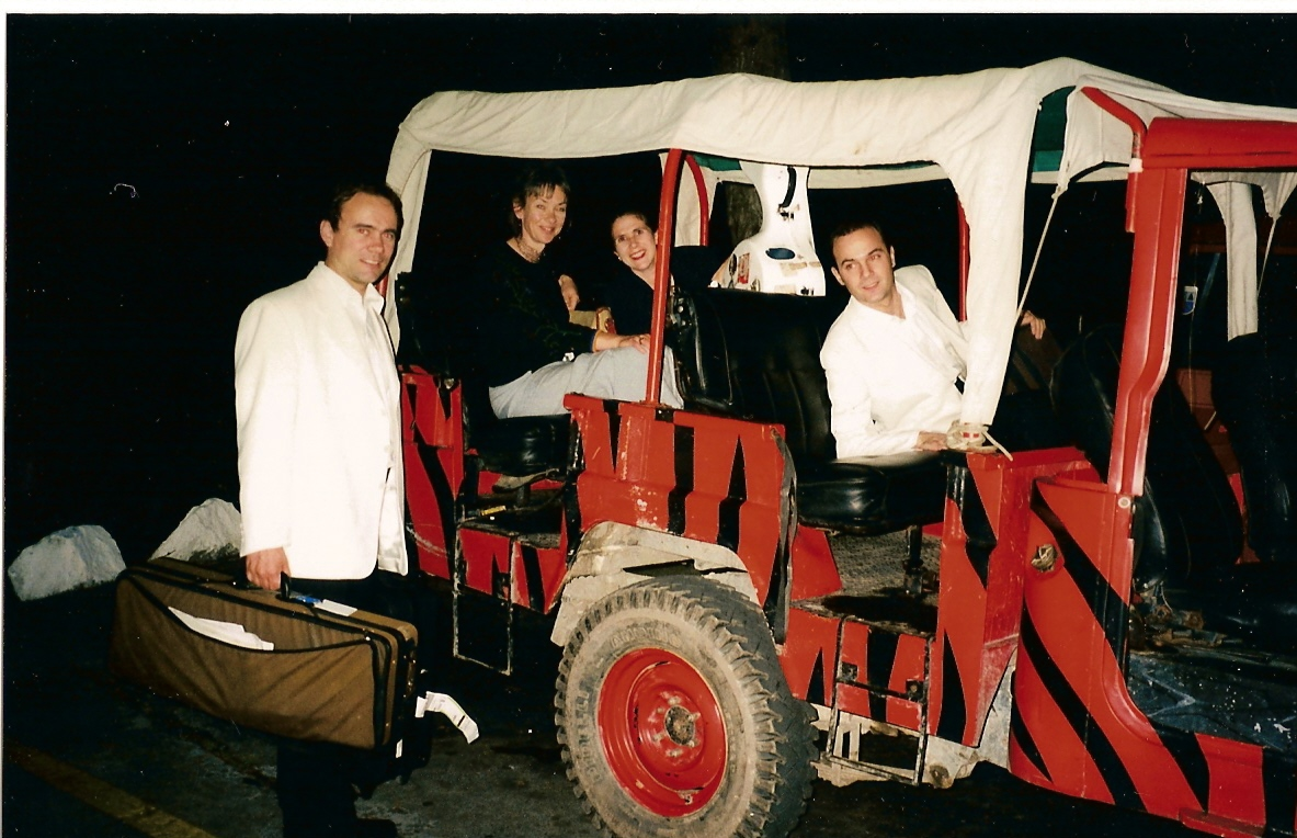 transport to concert, Colonia Tovar Apr 99