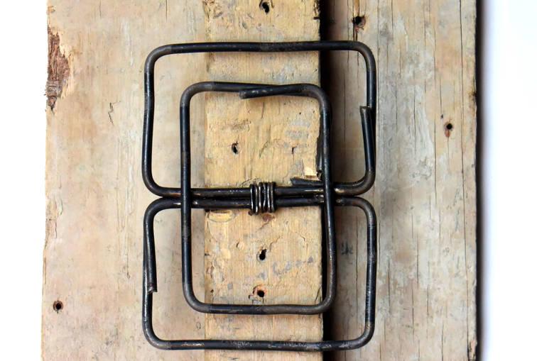 Trowel II, 2019 Formwork, plank and wire. 15.74 x 11.22 x 2.75 inches 40 x 28.5 x 7 cm.