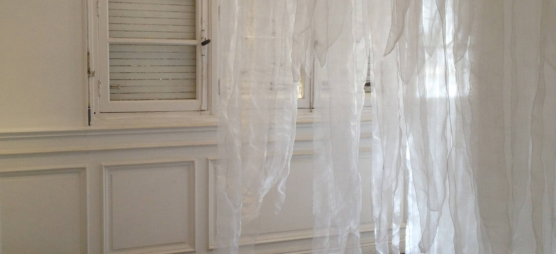 Sudden downpour, 2013 Penetrable installation. Organza fabric. 10.49 x 6.56 ft. 3.20 x 2 x 2 m,