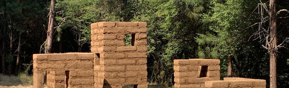 Disolution 2018-2019 Ocoxal, straw, sheep lama, cement and soil.  234 x 530 x 4 m Valle de Bravo, State of Mexico. Mexico.