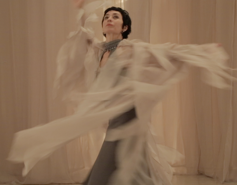 Fate, 2017. Live performance of multidisciplinary work based on texts by Jeannette Betancourt. Original score by Venus Rey, Jr., interpreted by chellist Miguel Ángel Villeda Cerón; Viviana Velasco, dancer and Santiago Espinosa de los Monteros, reader of excerpts of texts by Alain Touraine, Paul Virilio and Zygmunt Bauman. Introductory score by Eduardo Roel.