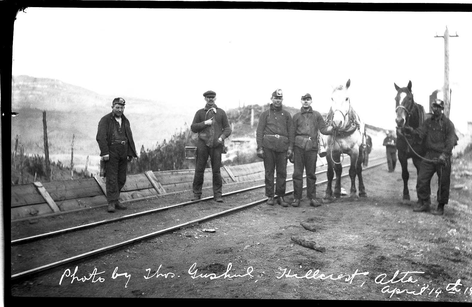7345 Gushul neg. miners posing at Hillcrest Collieries April 14, 1919 excellent Belle