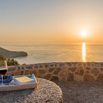 Sunset and wine !