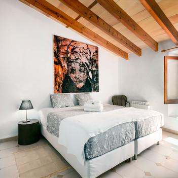 Bedroom 1 (beds can be put together or split)