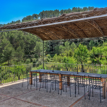 Outdoor Seating and Dining
