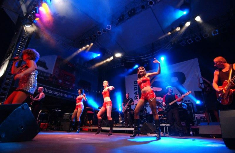Showgirls auf der Bühne