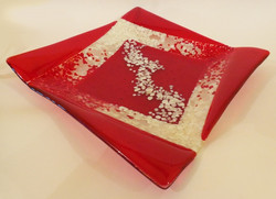 squared red and vanilla plate