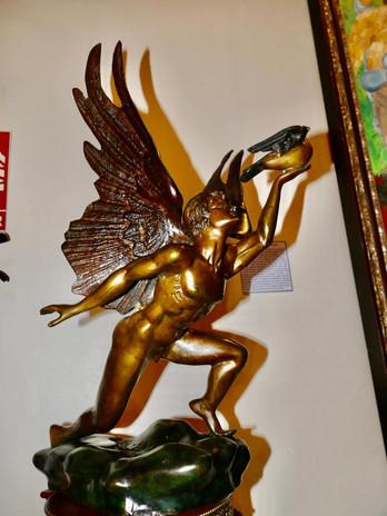 Icaro sculpture