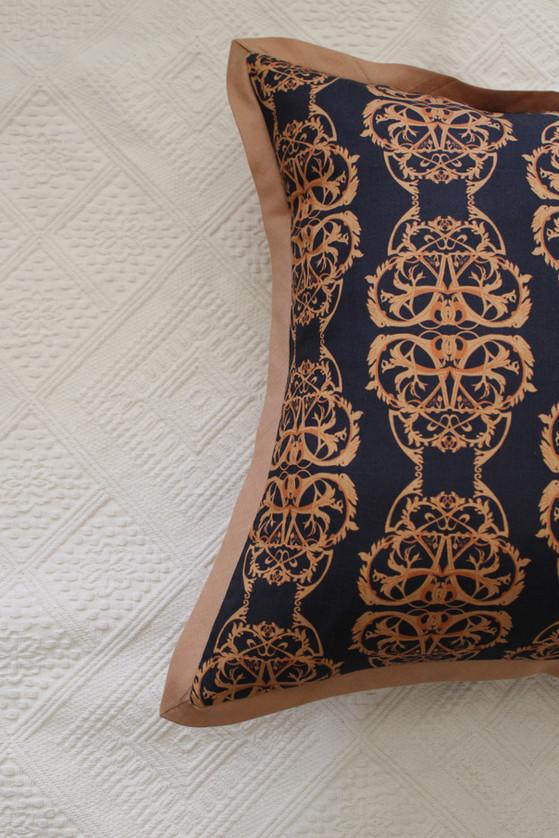 Chandra mahal printed cushion