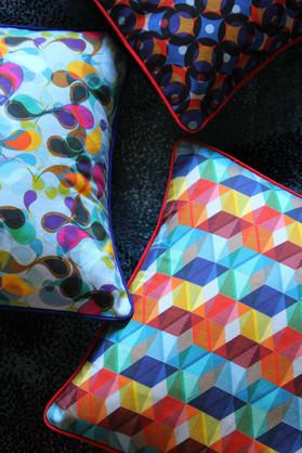 Printed canvas cushion cover