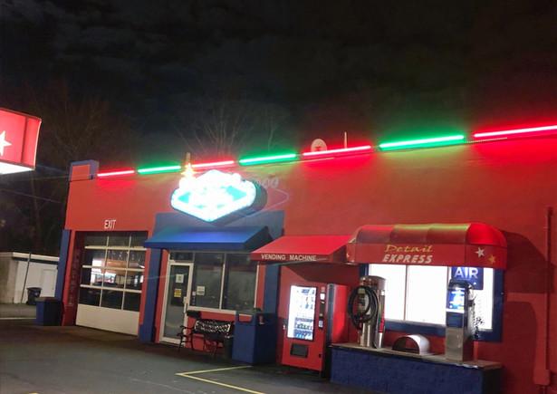 Red & Green Setting on LED Tube Light 8 Foot