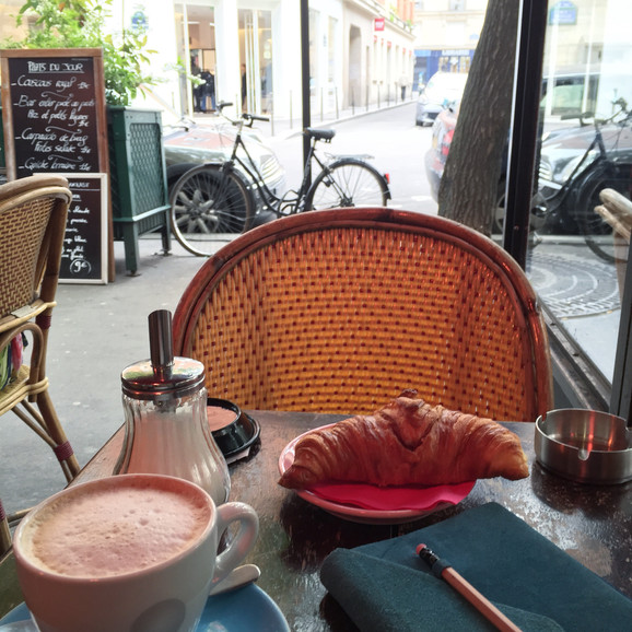 Why This is My Fav Little Random Cafe in Paris