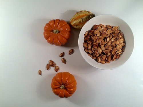 // SMUDGE recipes - Cinnamon Sea Salt Roasted Pumpkin Seeds //