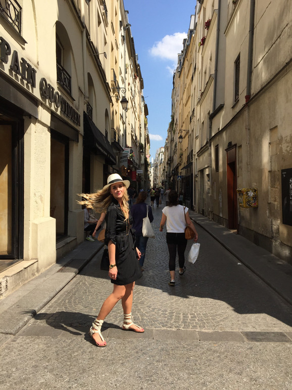 Getting Lost In Paris OOTD