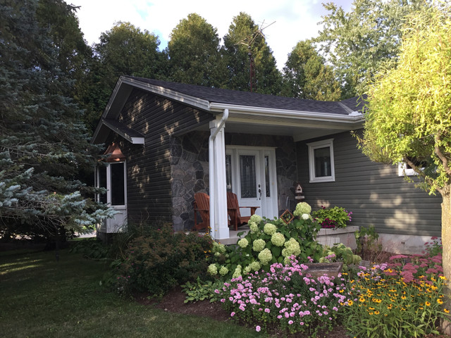 Vinyl Siding and Copper Bay