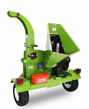 4521 yardbeast commercial wood chipper with Kohler command pro engine and highway towable