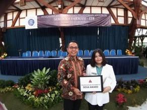 Dexa Award Untuk Apoteker Terbaik Sekolah Farmasi ITB