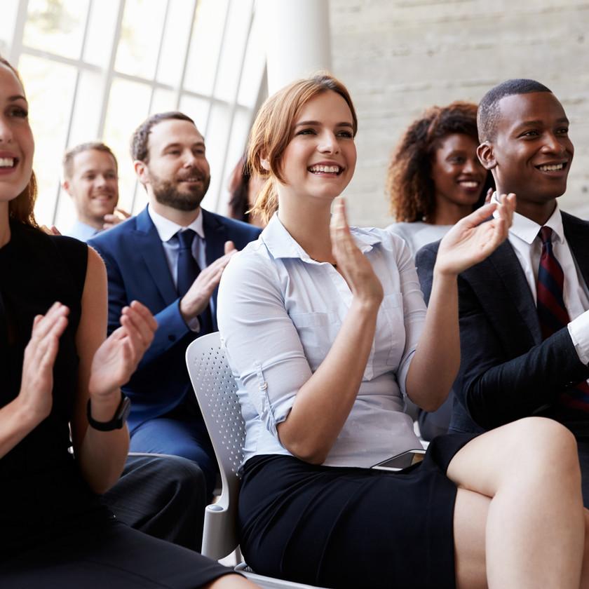 Enligt en studie som gjort på Karolinska Institutet har kvinnor tendens att gå på högvarv även efter arbetsdagens slut, jämfört med män som enklare varvar ner när de kommer hem.