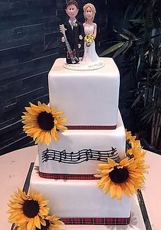 laurie cake1.JPG