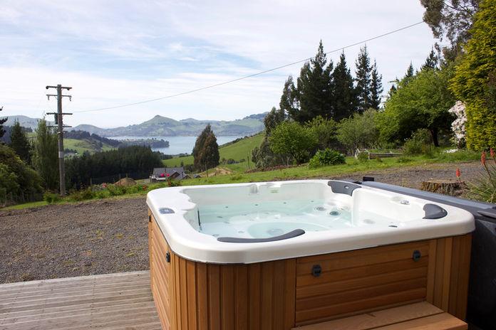 Franza-Farm-Dunedin-accommodation-spa-vi