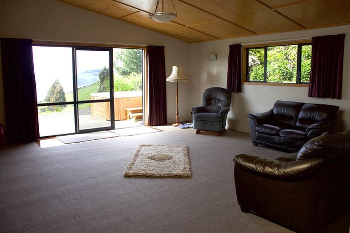 Franza-Farm-Dunedin-accommodation-living