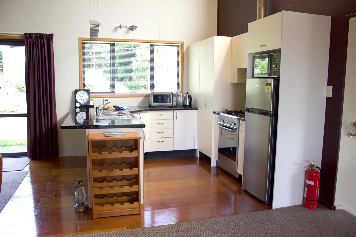 Franza-Farm-Dunedin-accommodation-kitche
