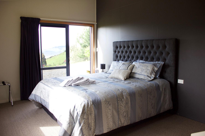 Franza-Farm-Dunedin-accommodation-harbou
