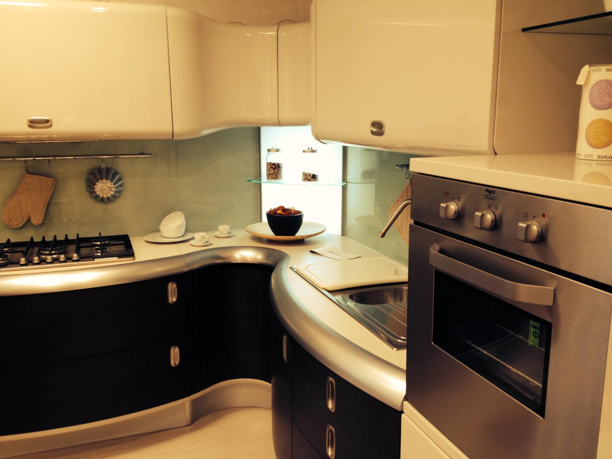 Outlet arredamento e cucine di design cucina giemmegi for Arredamento di design outlet