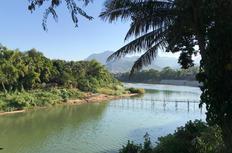 Luang_Prabang-Bamboo_Bridge_edited.jpg