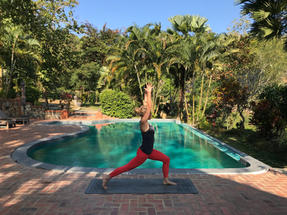Sophie_Colyer_yoga_laos.jpg