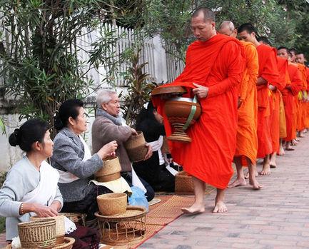 luang-prabang-monk-alms-1_edited.jpg