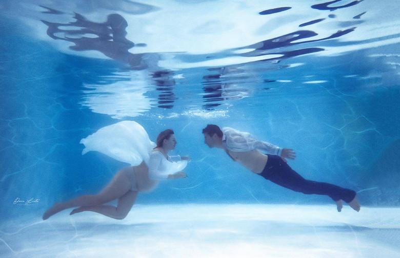 Photographe grossesse aquatique Bouches-du-Rhône , martigues, marignane, marseille