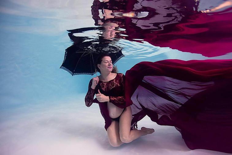 Photographe grossesse aquatique Bouches-du-Rhône