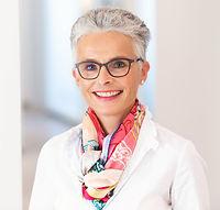 Dr. Almut Frohnweiler - ZahnärztiSpezialistin für Kinder- und Alterszahnheilkunde, Ästhetik,