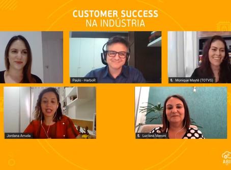 Como foi o painel sobre Customer Success na indústria