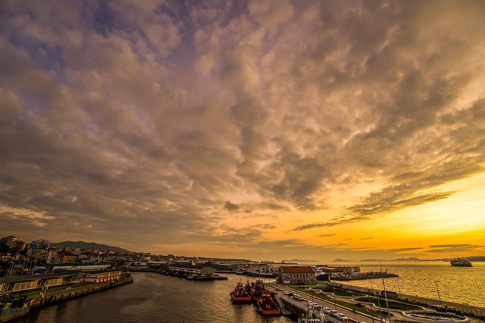Sunset Vigo Port.jpg