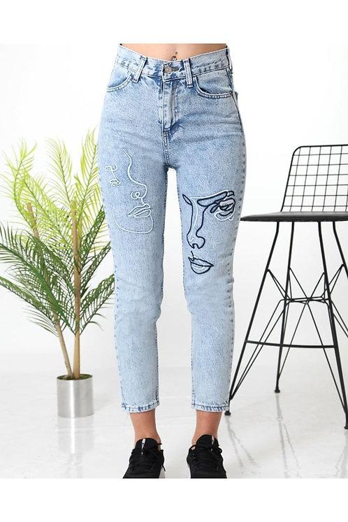 Baskılı Mom Fit Kar Yıkama Kot Pantolon