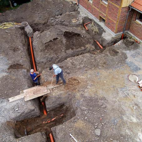Bau der Außenanlagen - Arbeiten laufen auf Hochtouren
