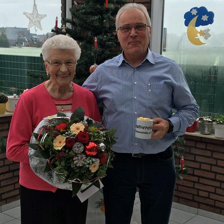 Glückwünsche an Katharina Linfert überbracht