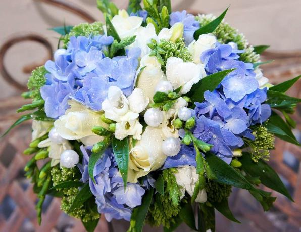 Салон цветов анюта доставка хабаровск сайт мини подарок на 8 марта